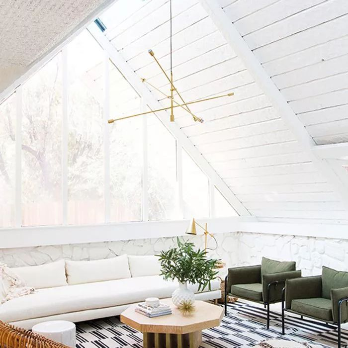 Statement Ceilings Are The New Hot Trend