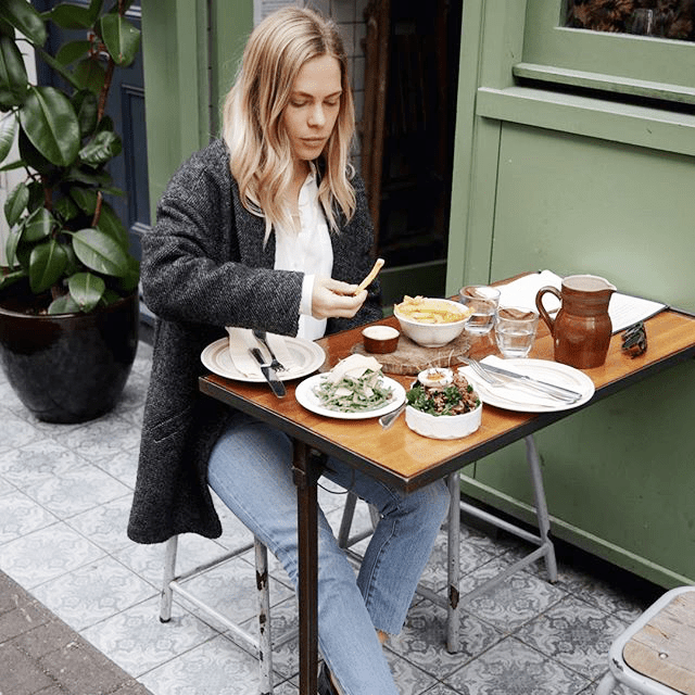 This Is How a Dietitian Cuts 500 Calories Per Meal