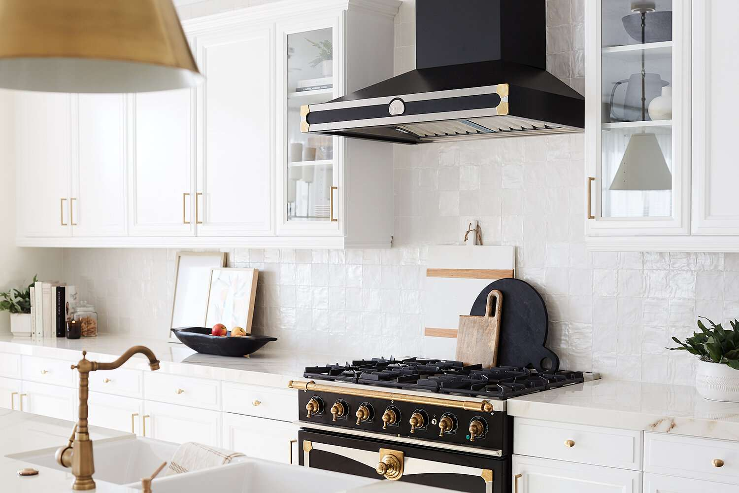 best kitchen ideas - statement stove top and hood