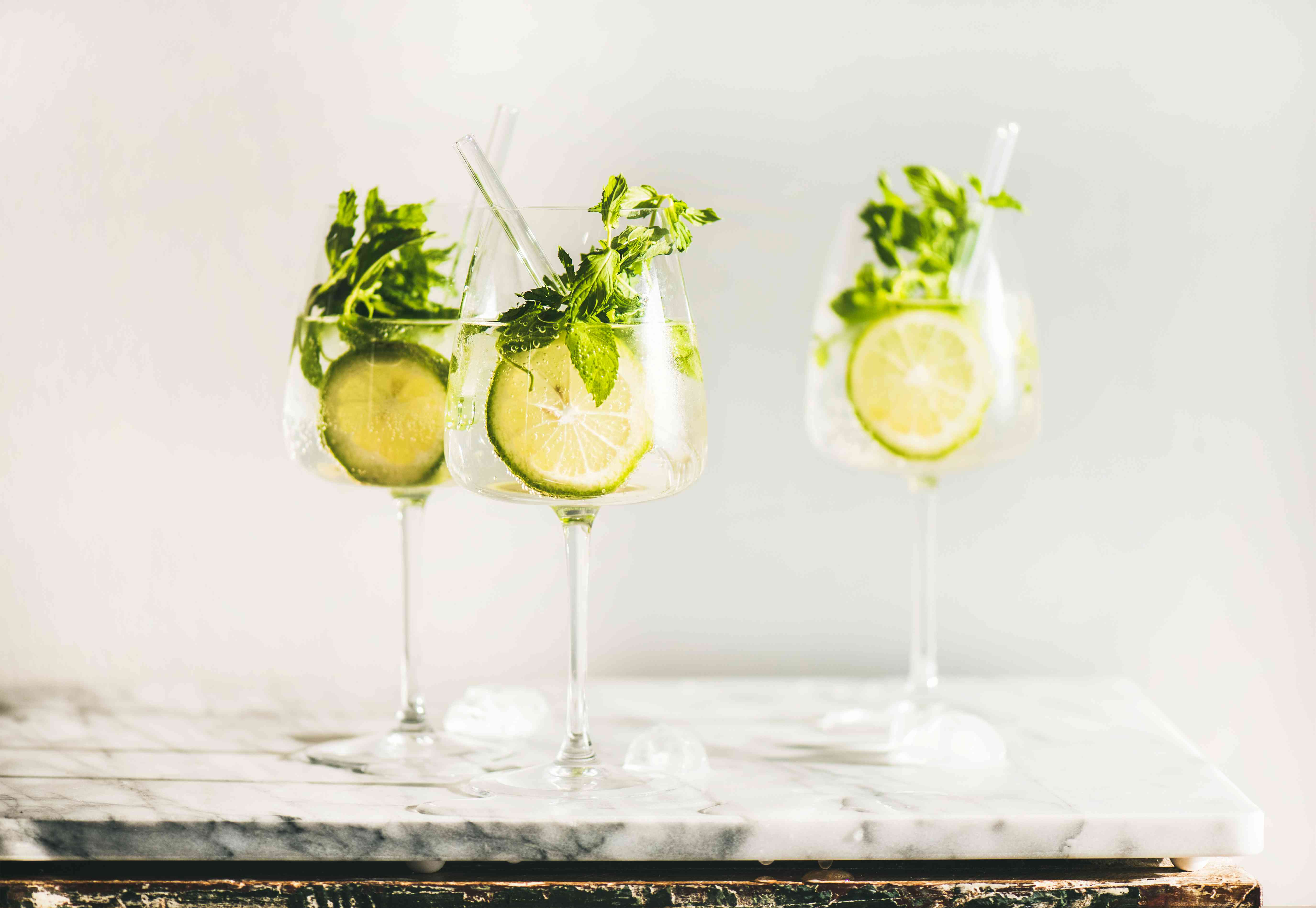 The Sparkling Cocktail I'll Be Drinking All Fall (Hint: It's Not an Aperol Spritz)
