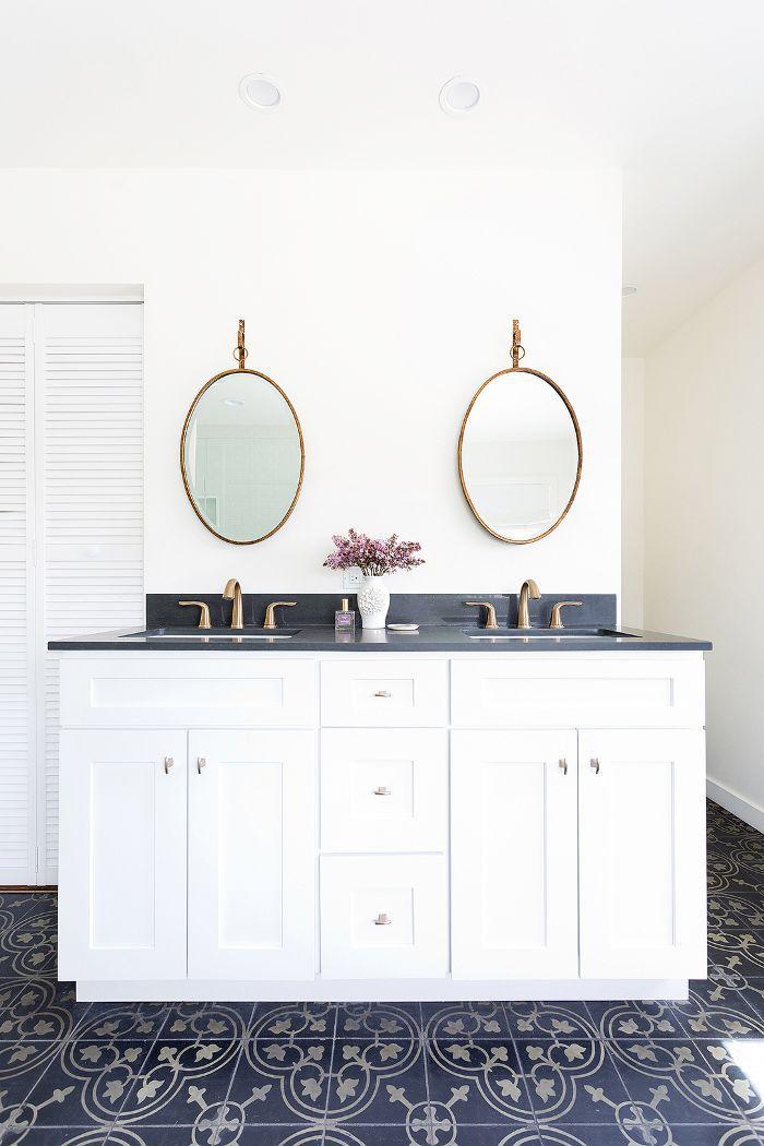 double sink in bathroom