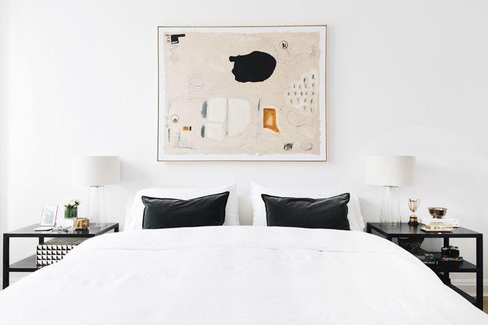 dormitorio moderno: The Everygirl Home Tour