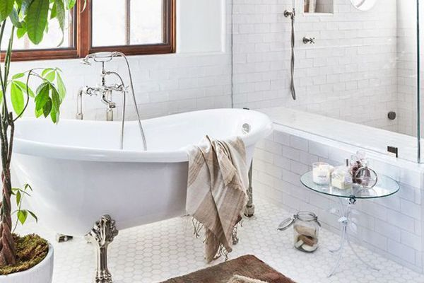 3 hacks a professional cleaner knows and you don 39 t - How to professionally clean a bathroom ...