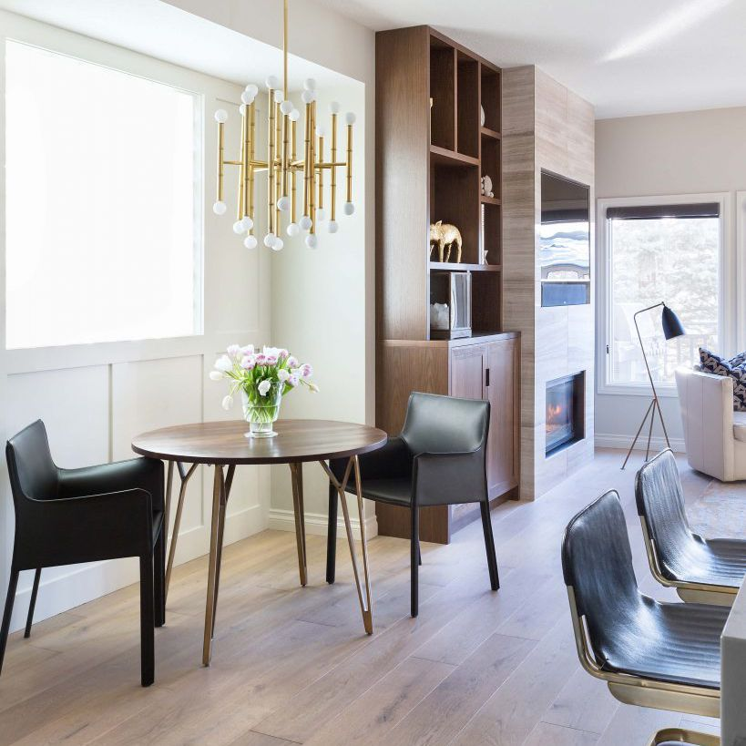 Breakfast nook for two