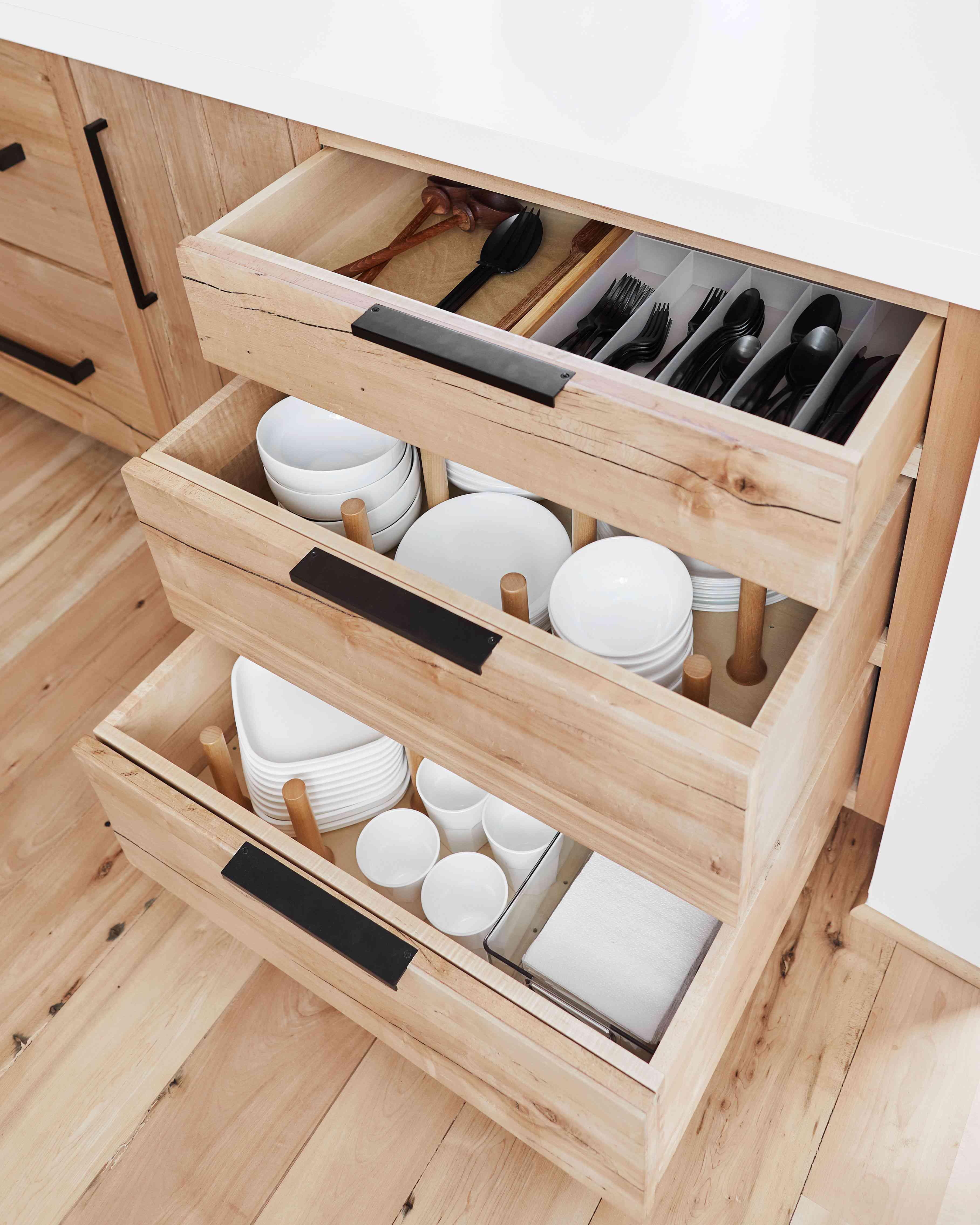 best kitchen ideas - drawer dish storage with peg system