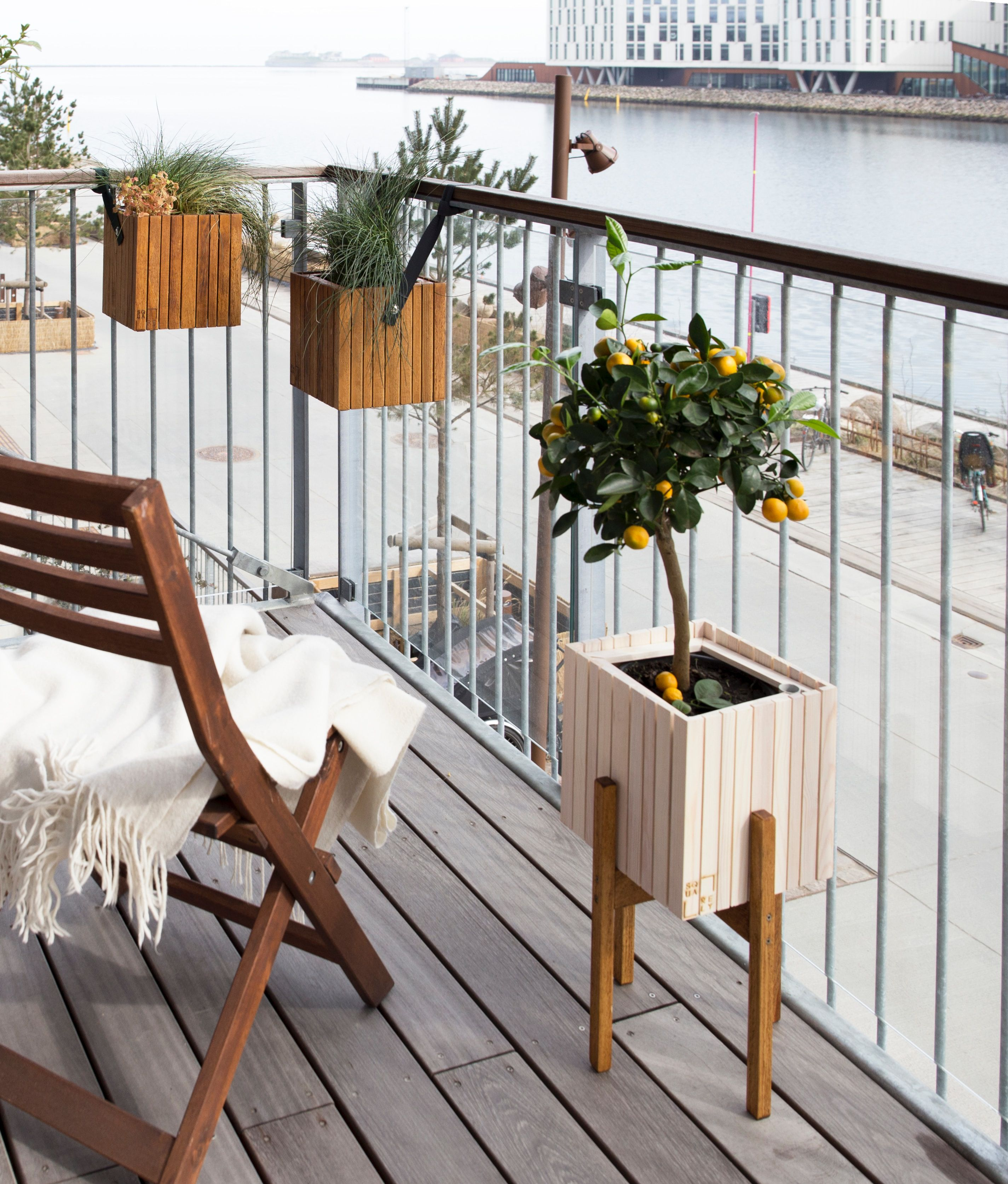 29 Ways to Maximize Your Small Balcony Space