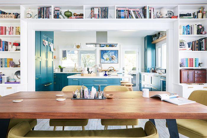 A bold California bungalow kitchen