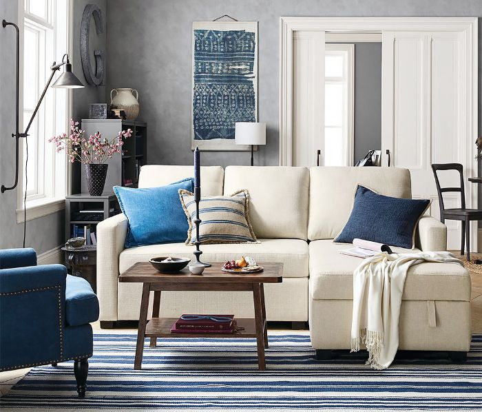 how to decorate a small space—living room