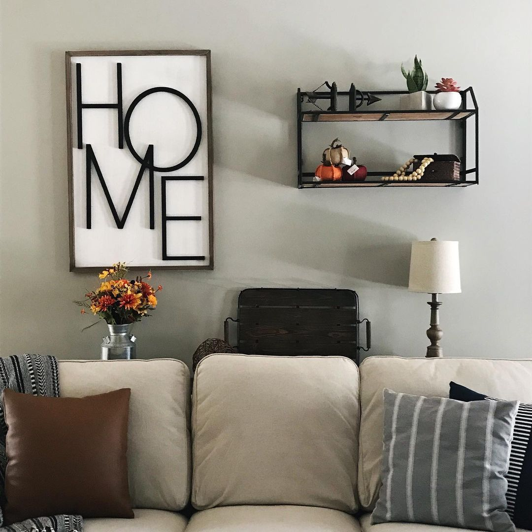 Living area with gray walls