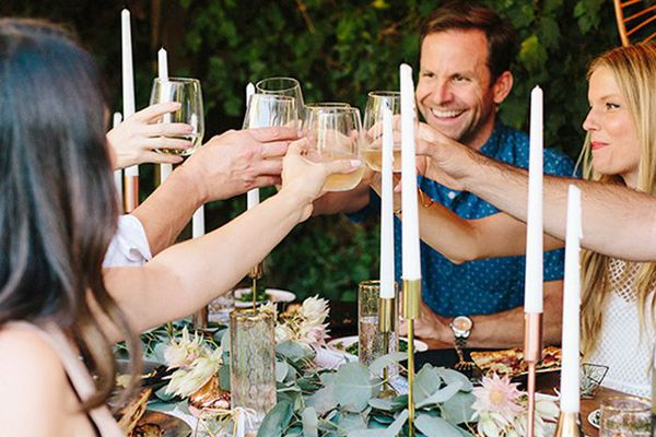 how to host a dinner party in a small space