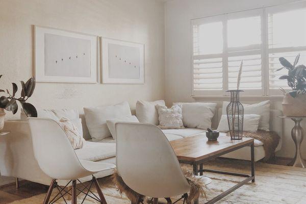 minimalist cozy living room