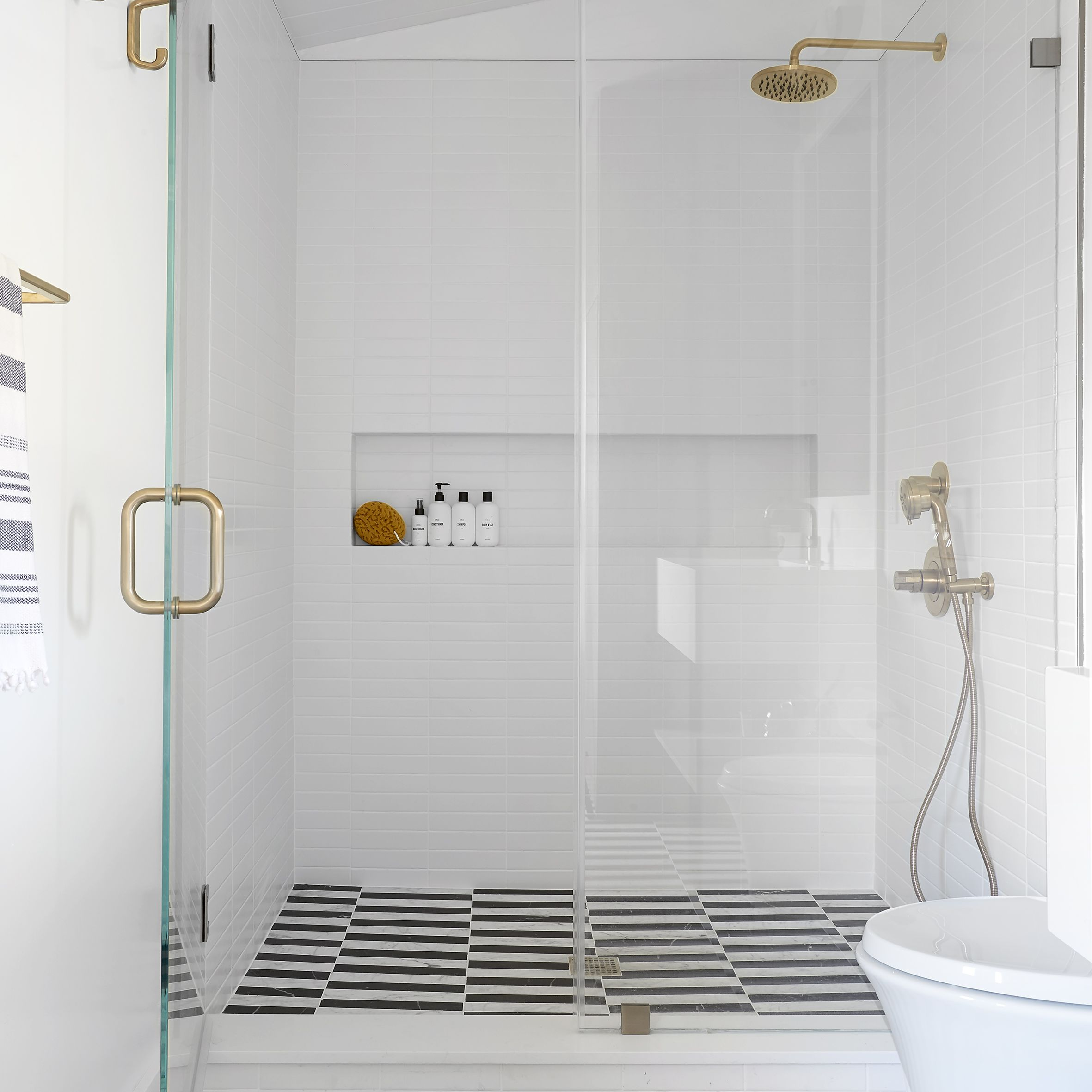 These Walk In Shower Ideas Are Proof That Clawfoot Tubs Are