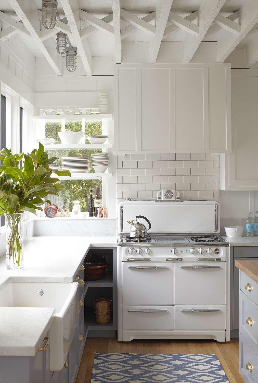 makeover of the week - Elizabeth Cooper kitchen redo