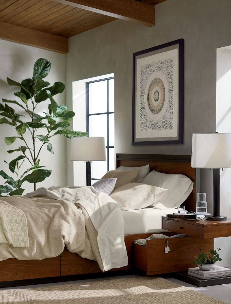 A fiddle leaf fig in a bedroom