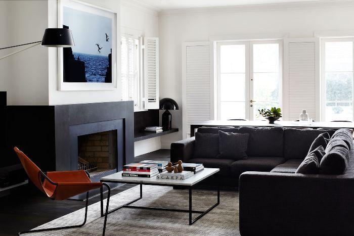 contemporary living room—Robson Rak Architects