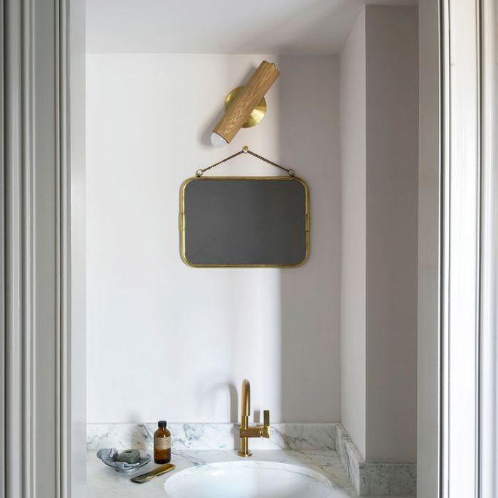 Minimal Bathroom Décor