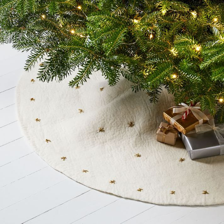 white tree skirt