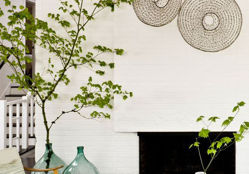 Zen living room full of earthy elements