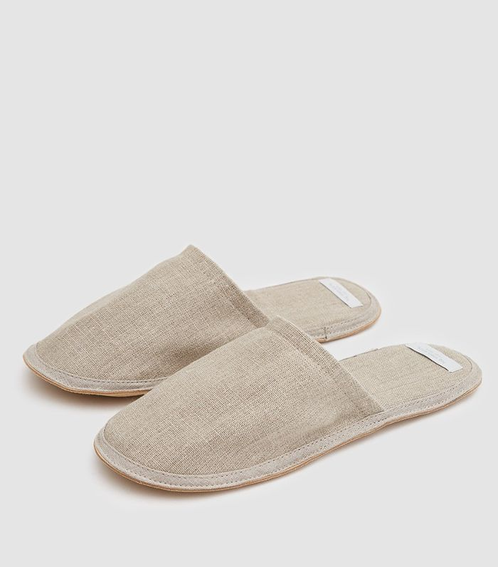 Linen Slippers in Natural - Medium