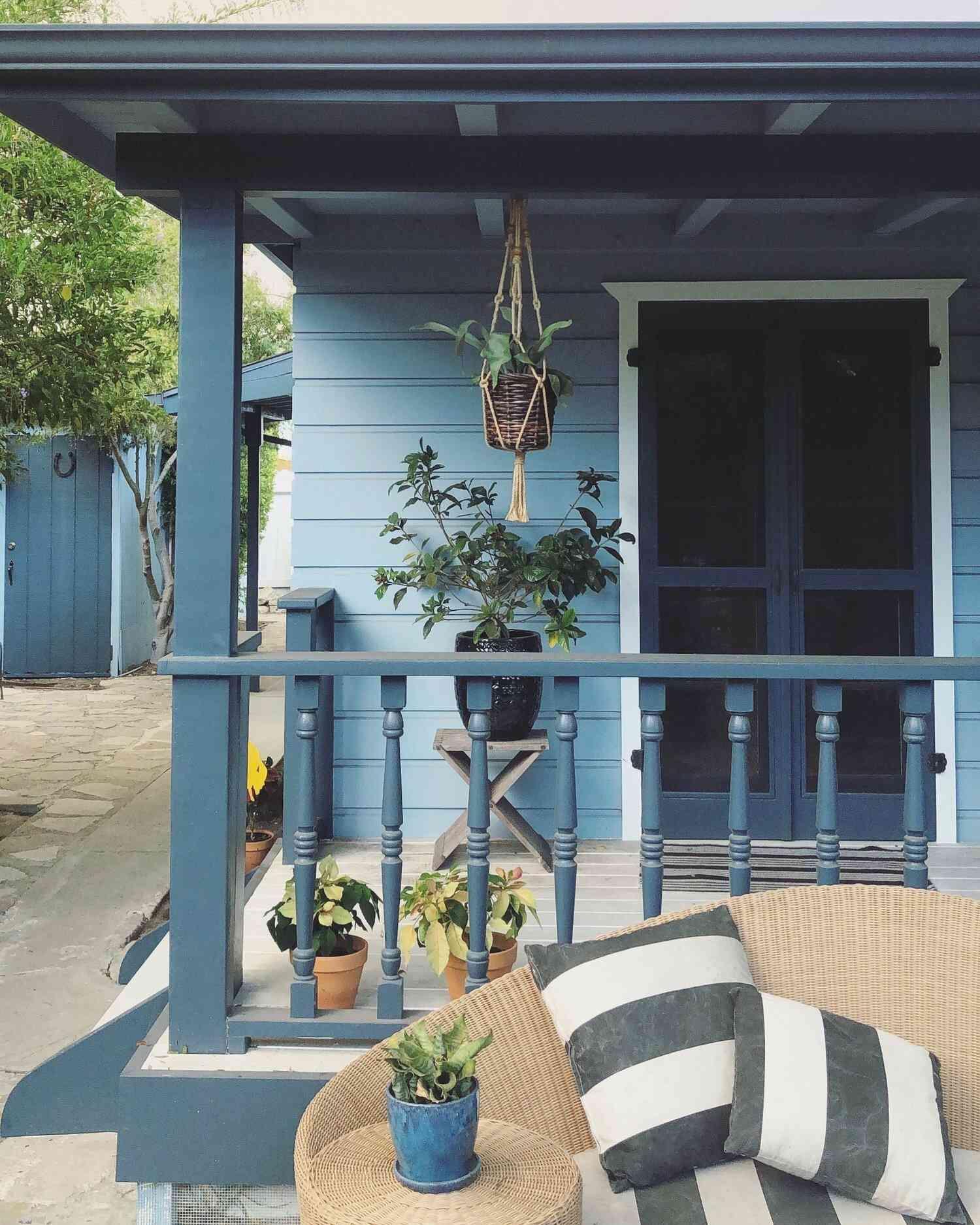 blue porch railing style