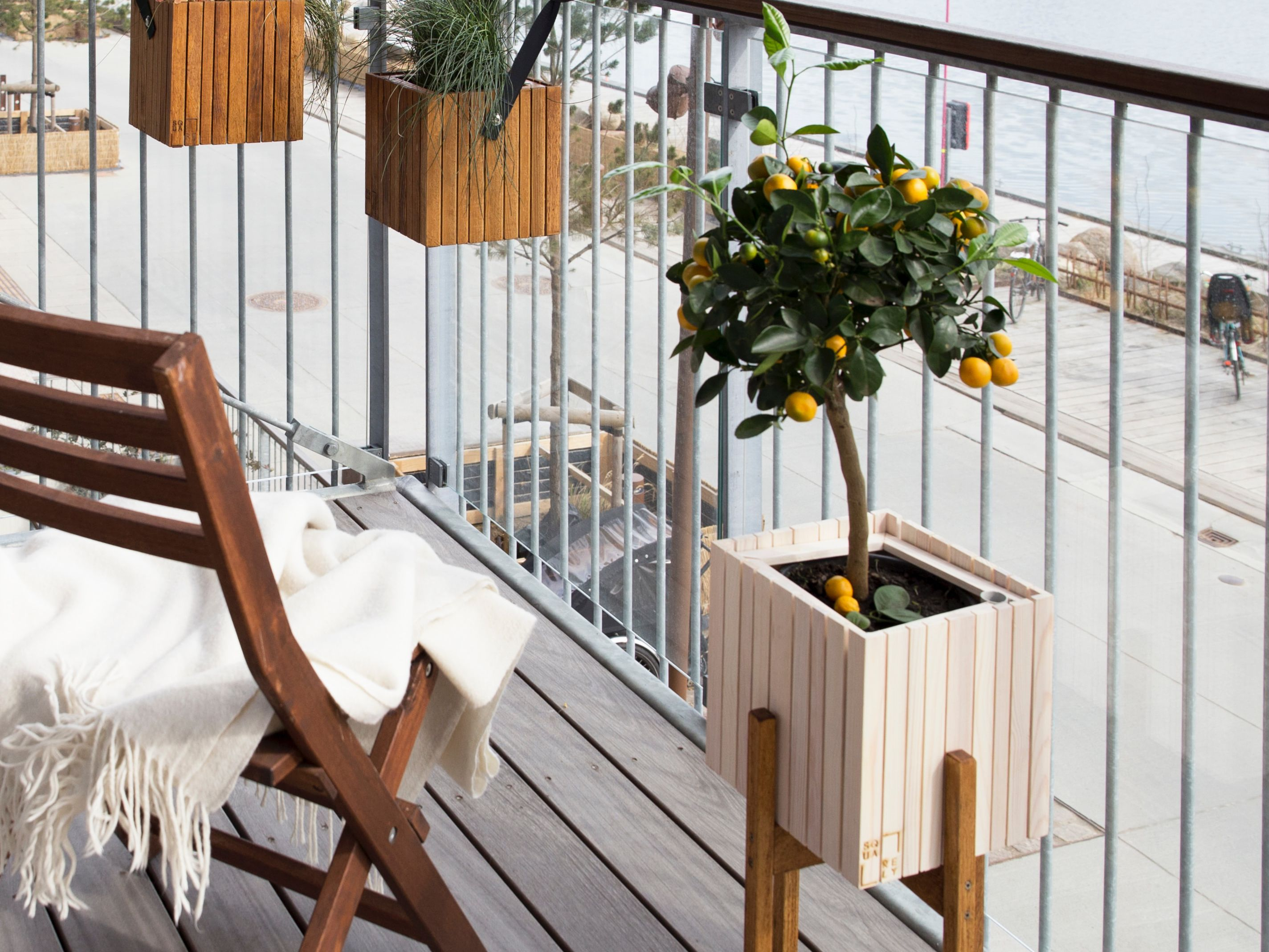 15 Ways To Maximize Your Small Balcony Space