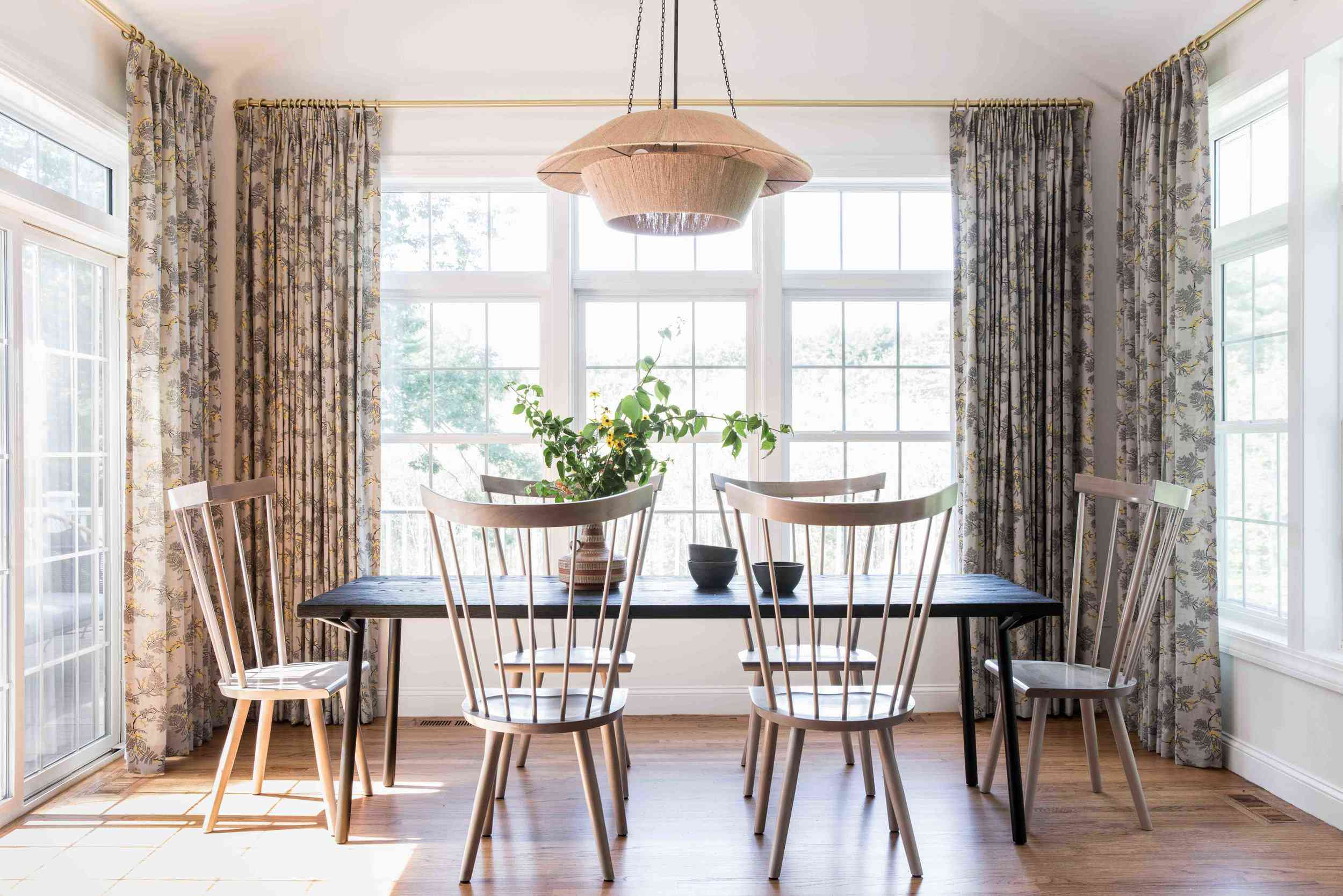 29 Standout Dining Room Curtain Ideas, Nice Dining Room Curtains