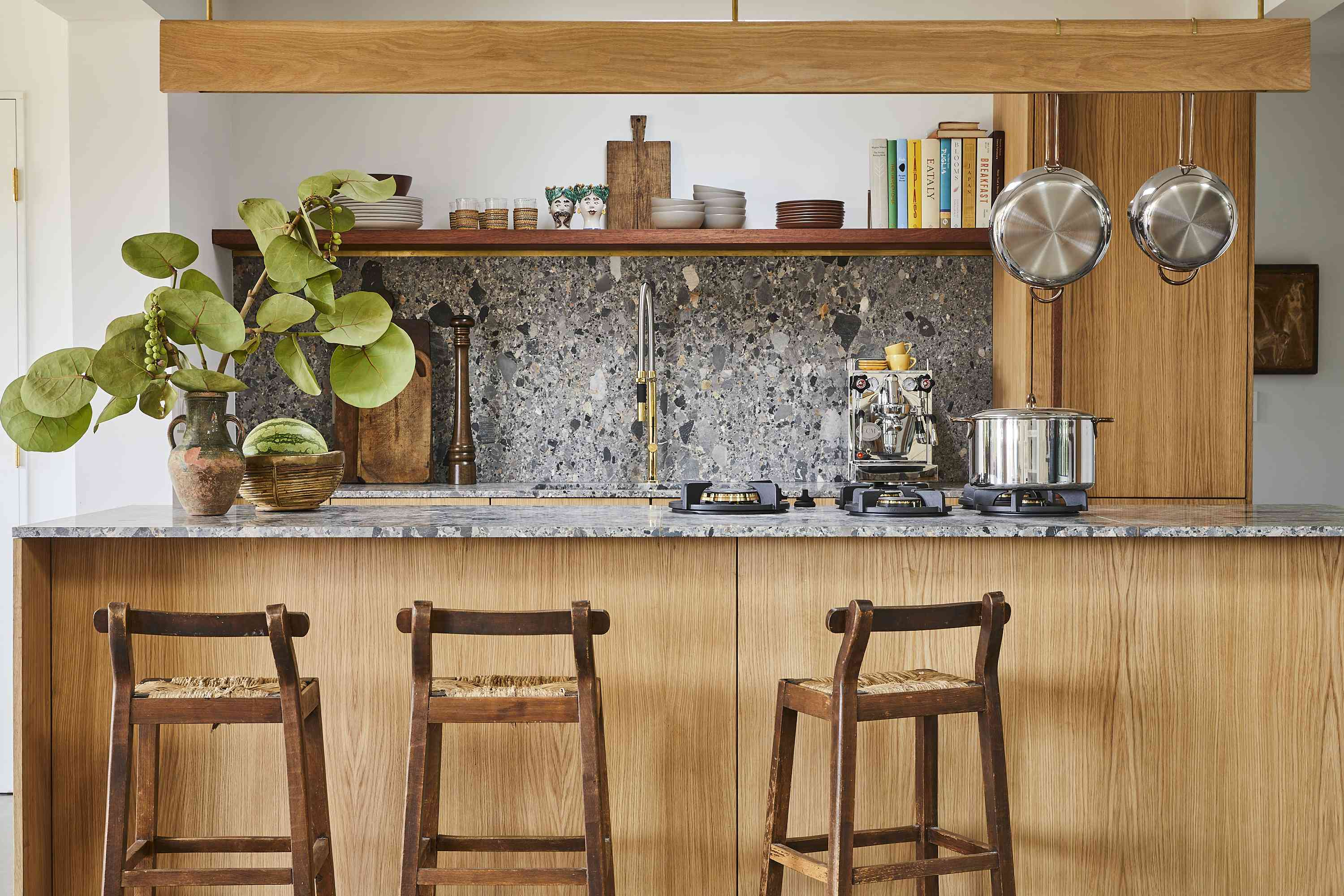 9 Open Kitchen Cabinet Ideas That Embrace the Trend
