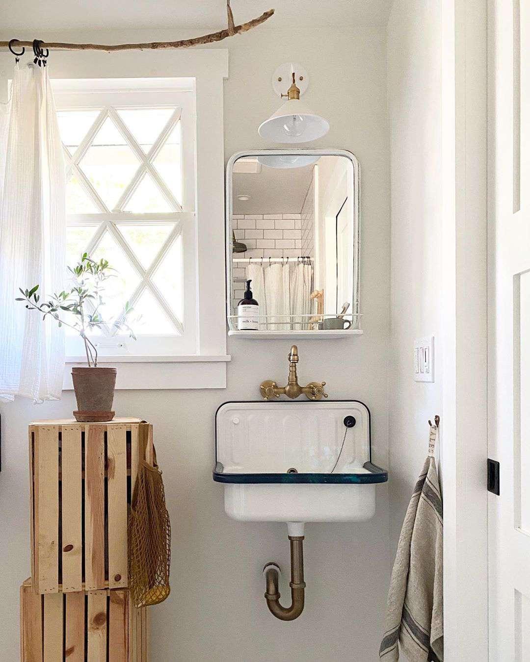 Bathroom with farmhouse sink