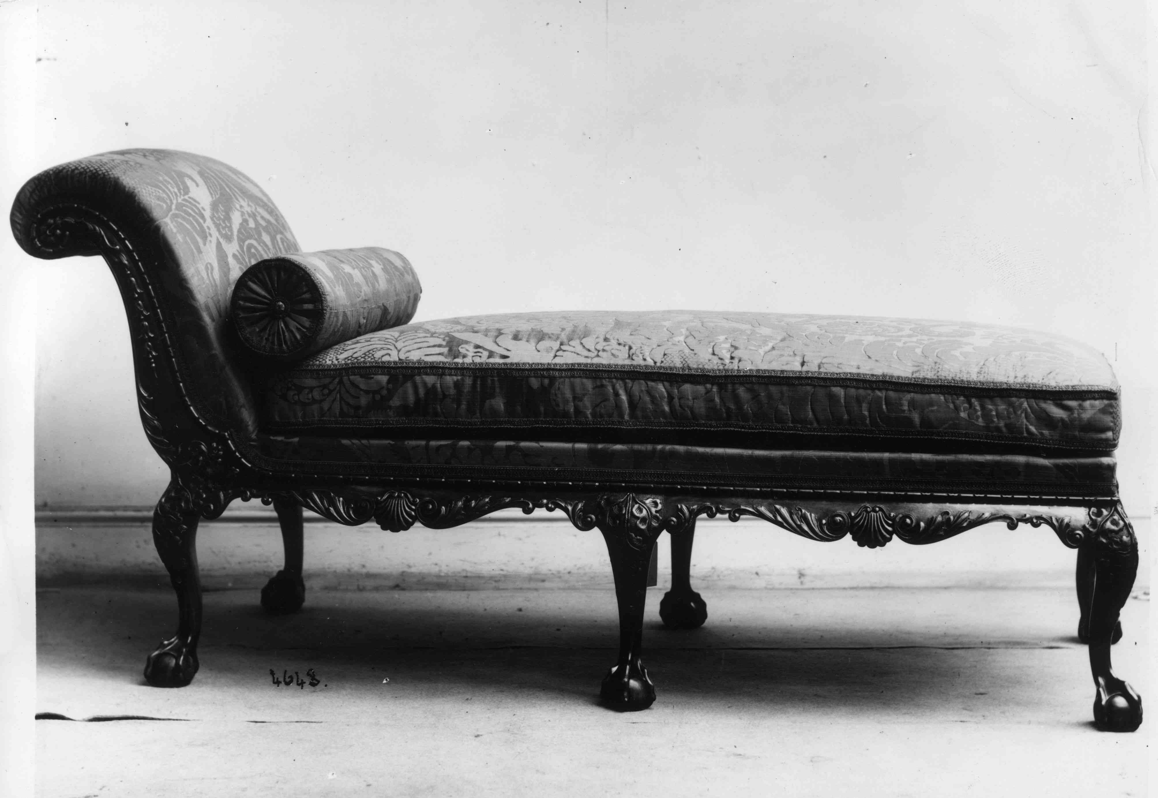 Victorian fainting couch.