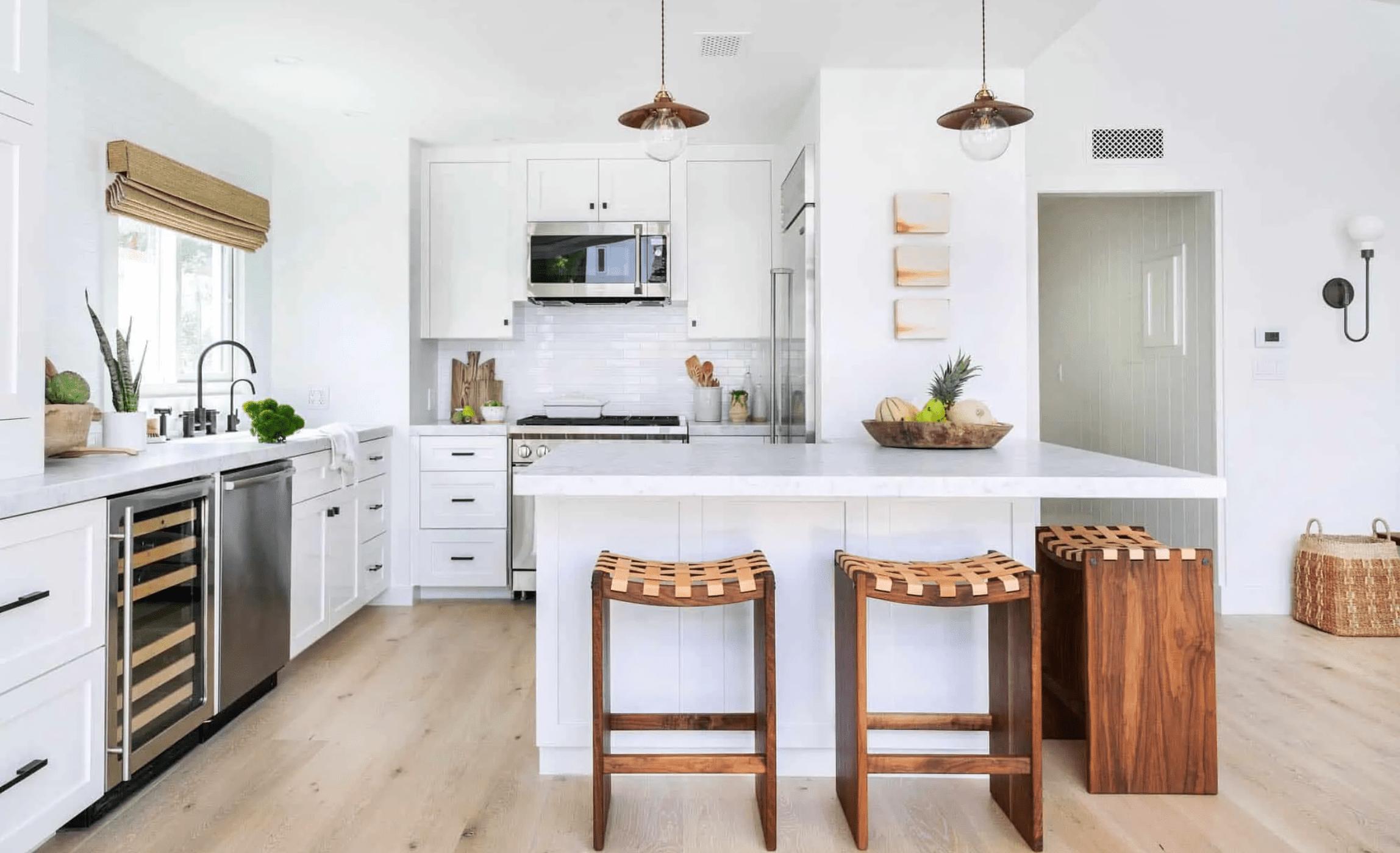 An open-concept kitchen with a corner bar
