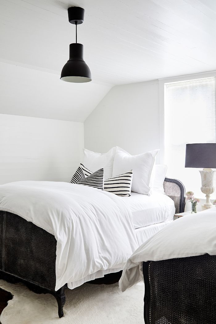 how to style a guest bedroom