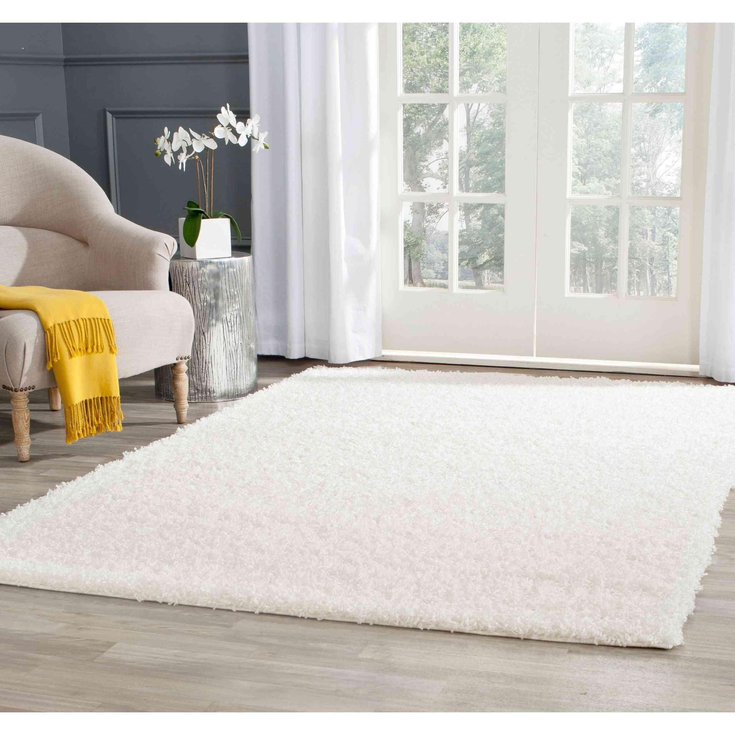 white shaggy area rug
