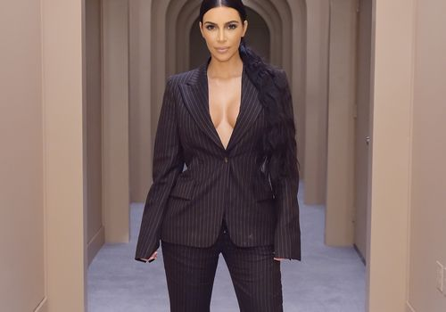 Kim Kardashian—bathroom tour