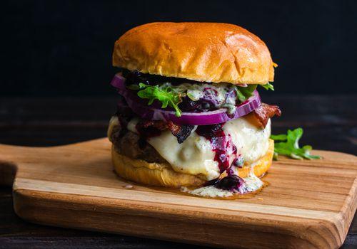 Cheeseburger with Havarti cheese