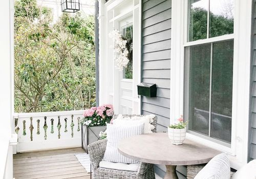 Classic porch style