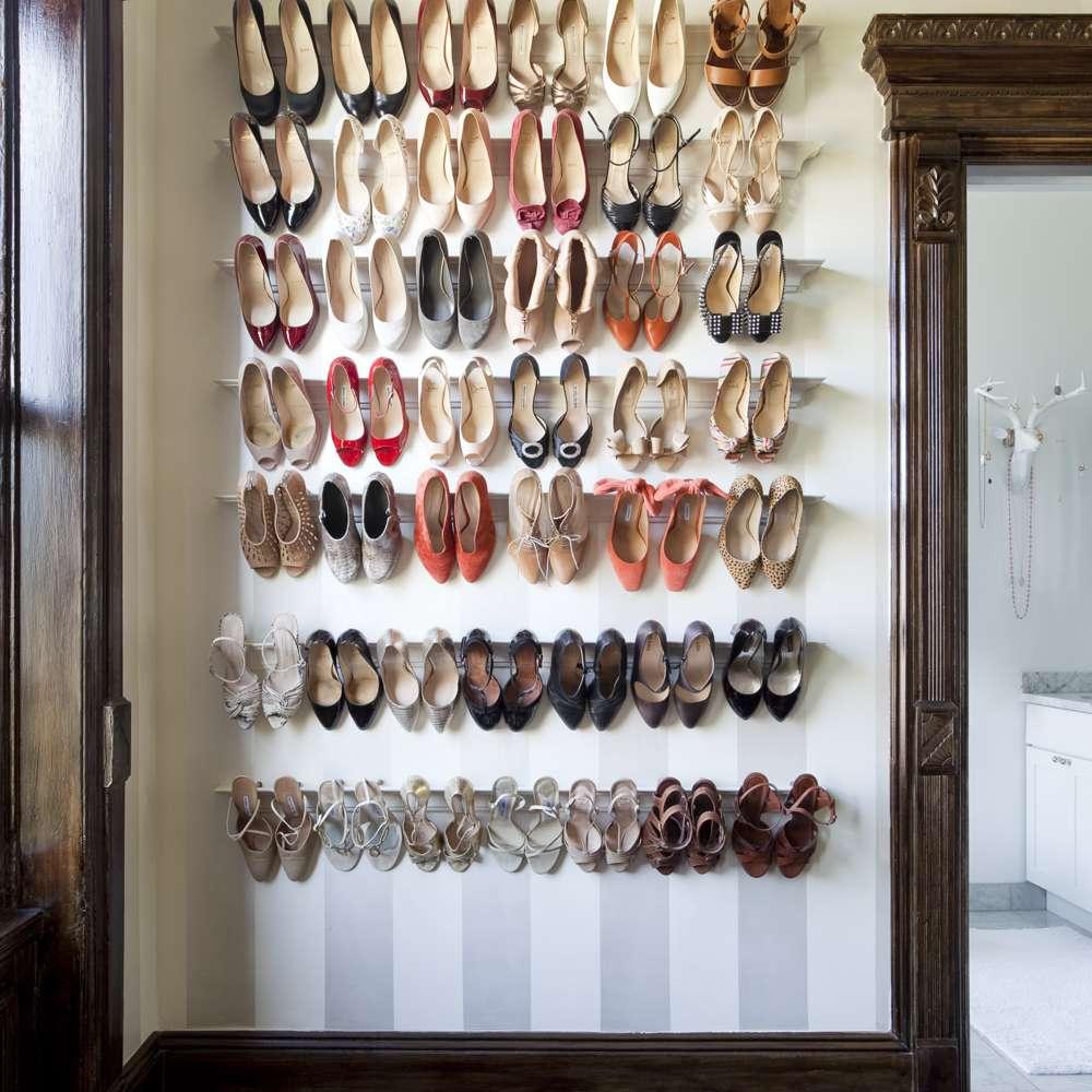 Wall shoe rack
