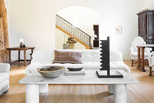 Create a Stylish and Cozy Living Room With Expert-Backed ...