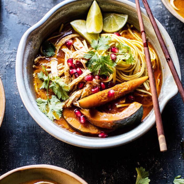 Sopa de fideos con pollo Khao Soi