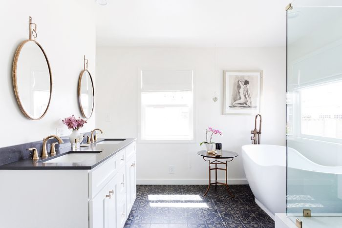 bathroom with stand-alone tub