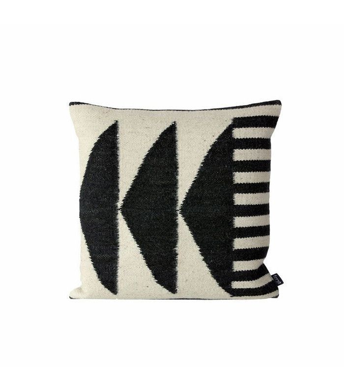 The Best Kilim Pillows for a Colorful New Year