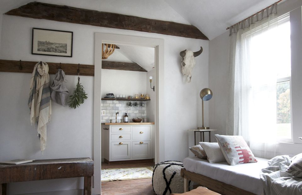 Guest suite with exposed beams