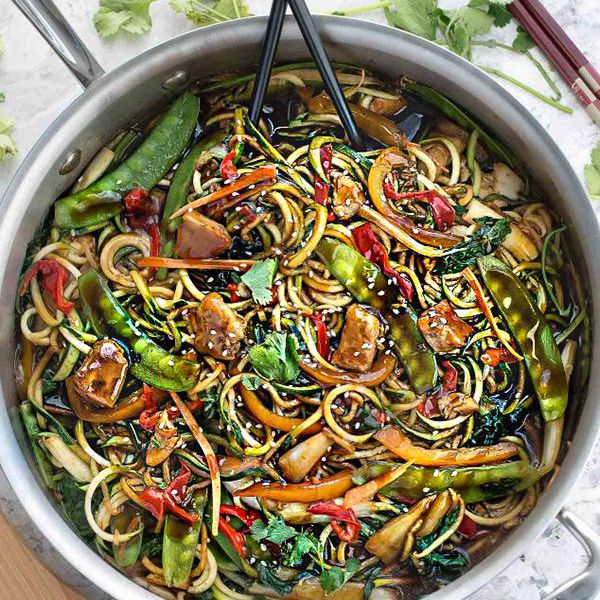 Pollo Chow Mein Zoodles