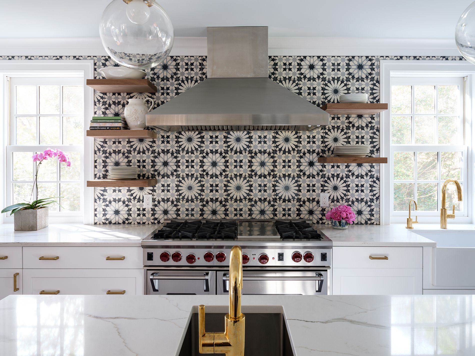 20 Black and White Design Ideas That are Totally Timeless