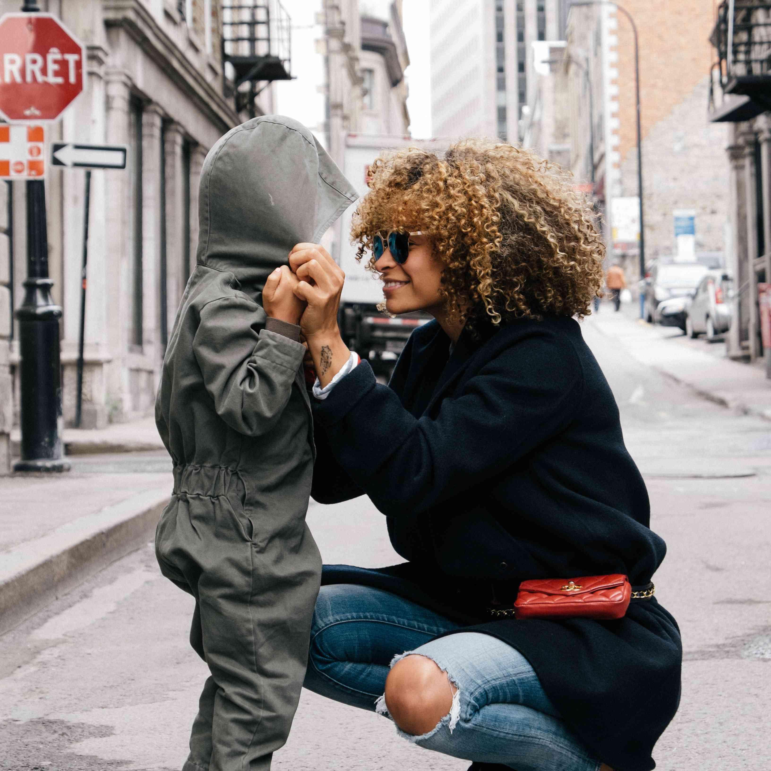 Mujer y un niño