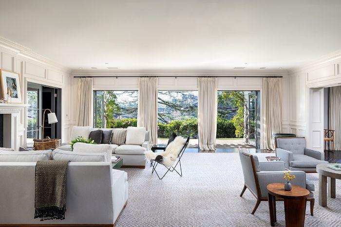 Jodie Foster—Living Room