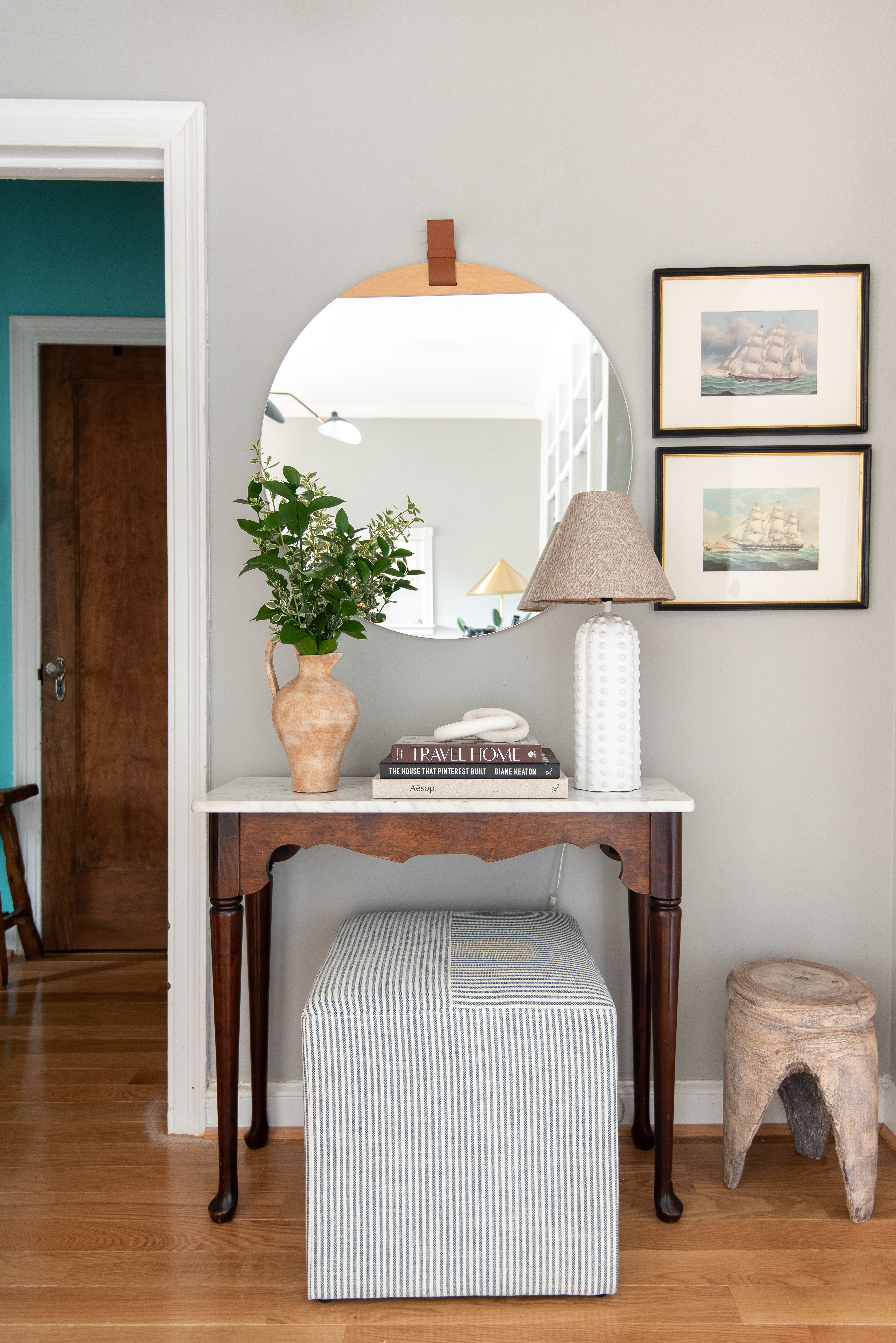 These 5 Tricks Will Help You Carve Out an Entryway in Your Small Space
