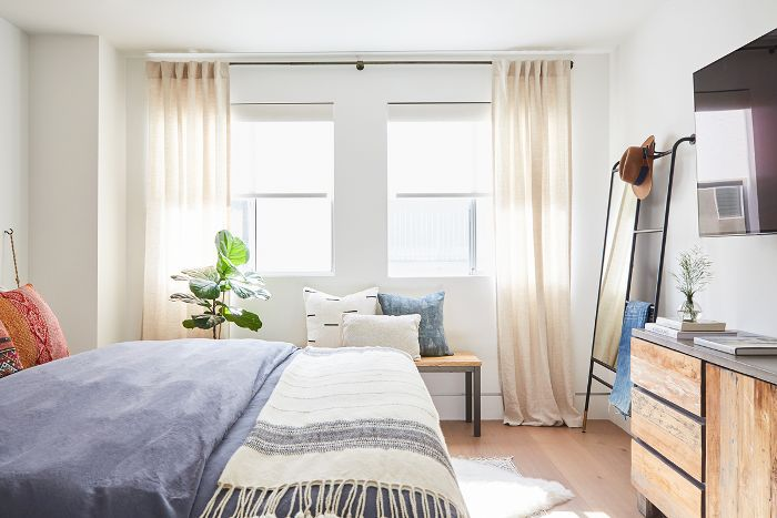 Dormitorio lleno de luz
