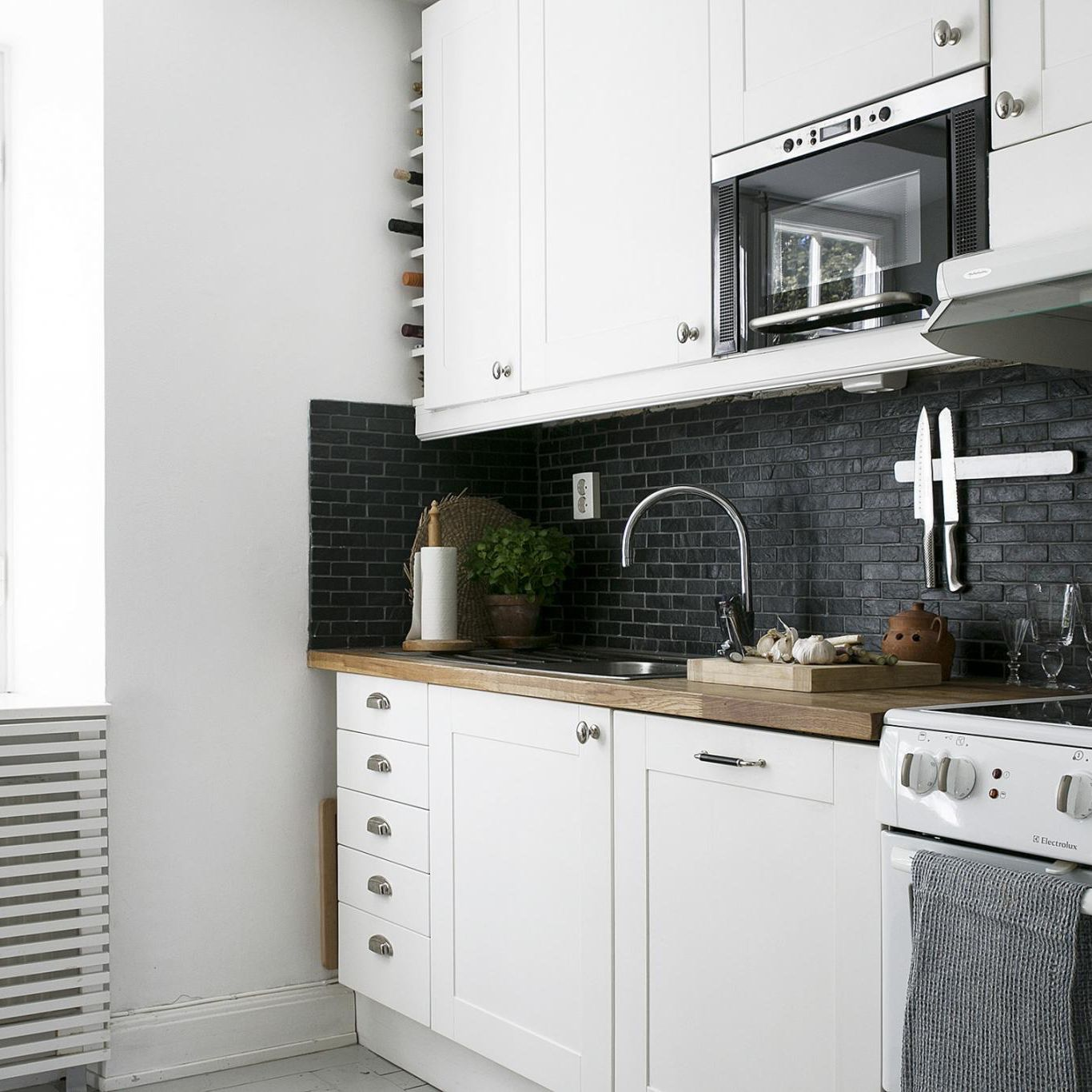 25 Beautiful Small Kitchen Ideas
