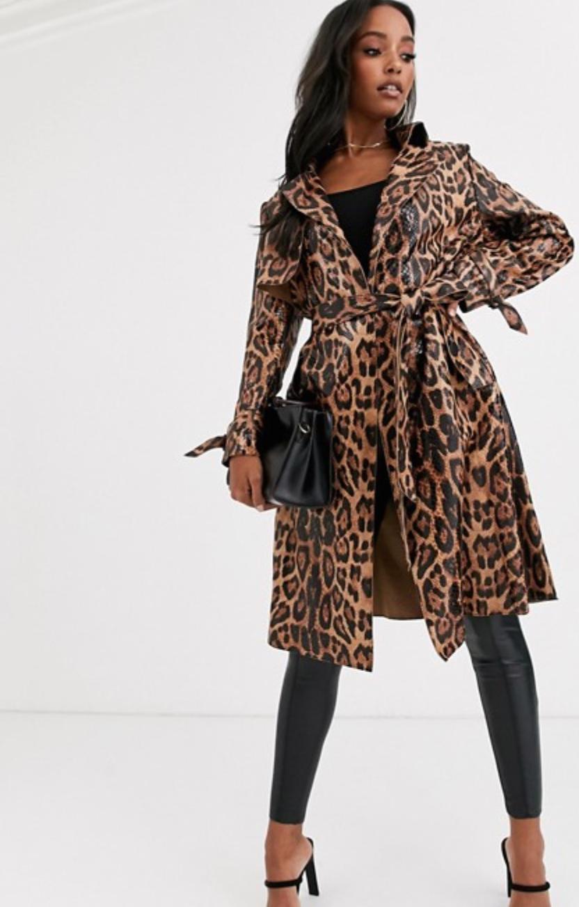 Gabardina con estampado de leopardo de Jayley