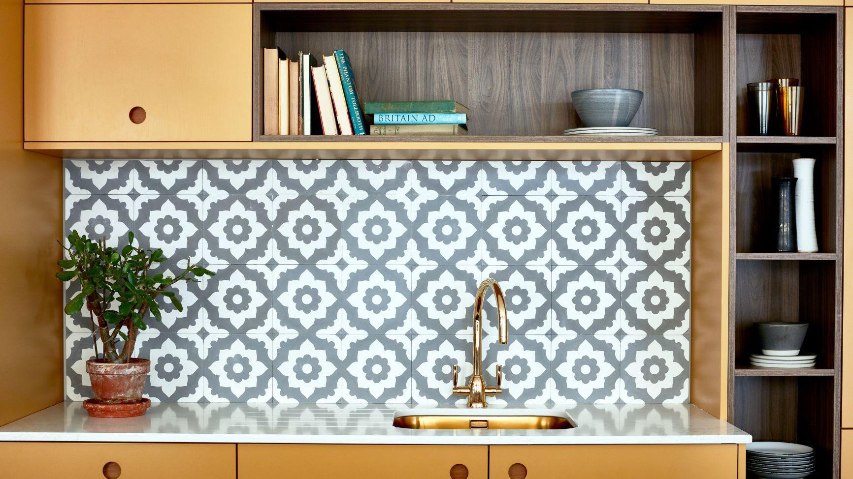 9 Gorgeous Wallpaper Backsplash Ideas to Try Now
